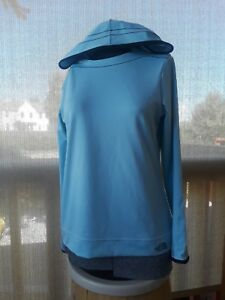 NWOT North Face base layer/ sun cover workout hoodie hiking gear vapor wick Cute