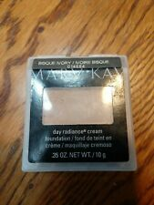 Mary Kay Day Radiance BISQUE IVORY cream foundation