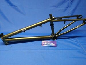 "GT TOUR BMX BIKE 11"" FRAME FOR 20"" WHEELS, BICYCLE"