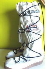 Napapijri White Winter Boots EU 40, Size 9, Embroidered, Hard to Find, Stiefel