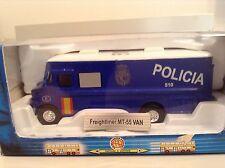 1/87 Scale MT-55 Freightliner Van POLICIA #510