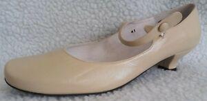 Cefalu woman's cream kitten heel shoes size 7.5 uk - 41 eu