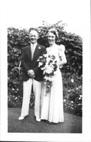 Vintage wedding photo, Mr & Mrs Clark, Toronto Ontario, 1942 *Free Shipping*
