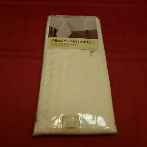 NOS ALISON HEMSTITCH CUTWORK TABLECLOTH 52in X 70in OBLONG CREAM / IVORY