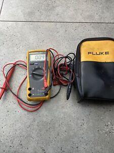 fluke multimeter 23111 Multimeter Good Used