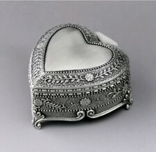 HIGH QUALITY TIN ALLOY HEART SHAPE MUSIC BOX : CANT HELP FALLING IN LOVE