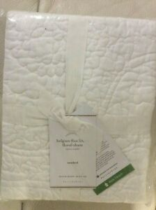 Pottery Barn Belgian Flax Linen Floral Stitch Standard Quilted Sham NWT! White