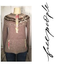 FREE PEOPLE Long Sleeve crew neckline embroidered Sweater Size CS small tan