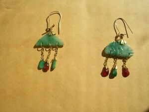 Vintage 10K yellow gold elegant ruby & jadeite jade dangly earrings Pair
