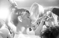 Hockey Nhl Finals Boston Bruins Bobby Orr Victorious 1970 OLD PHOTO