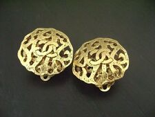 Auth Chanel Vintage CC Gold Clip Earring(2/5)