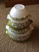 Vintage Pyrex Green Spring Blossom Crazy Daisy Cinderella Nesting Mixing Bowls