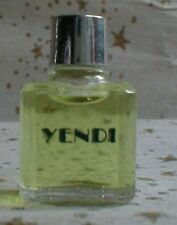 Miniatur YENDI von Capucci
