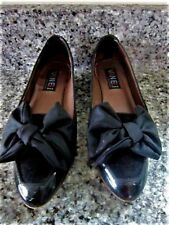 WOMEN'S SHOE,  VANELI, 7 1/2 N, to M, BLACK PATENT LEATHER WITH BOW, SOME SUEDE