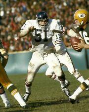 DICK BUTKUS 8x10 ACTION PHOTO (Vintage NFL Picture) CHICAGO BEARS #51 Canton HOF