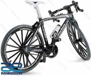 1:10 Scale Miniature Die-Cast Racing Bicycle Colors as Per Stock