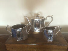 LOVELY 3 PIECE VICTORIAN SILVER PLATED TEA SERVICE   (REF 2321)