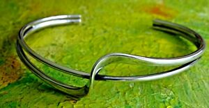 Gorgeous vintage studio solid sterling silver open cuff bangle bracelet
