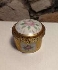 """Boîte à Perles, style de Sèvres XVIIIe en porcelaine estampillé """"PORCELAIN ART"""""""