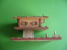404KC1 Handgefertigtes Bauernhaus aus Holz. Haus; handgeschnitzt wohl 50er Jahre
