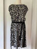 Country Road size 10 / Small Black White Floral Print Cotton Shift dress short s