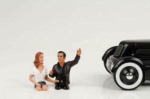 Pair Seated Couples 2x Figurine Figures Set 1:18 American Diorama / No Car