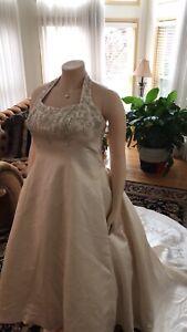 Bonnys Plus Size Bridal Gown Ivory Size 20