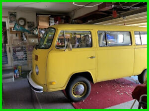 1973 Volkswagen 2 Bay Window Transporter