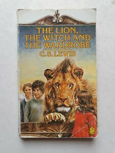 THE LION THE WITCH AND THE WARDROBE PAPERBACK BOOK BY C.S.LEWIS 1983