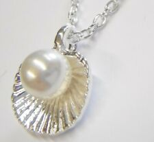 Pearl Shape Shell Pendant Necklace Gift Boxed