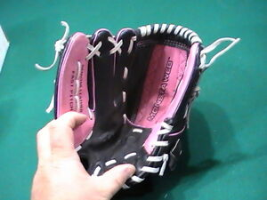 """Wilson Genuine Leather fits on Right Hand Softball Glove AO442 11"""""""