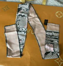 LOUIS VUITTON Monogram Trunks Bandeau Scarf Rose Poudre Pink