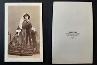 Disdéri, Paris, portrait de femme Vintage albumen print CDV.