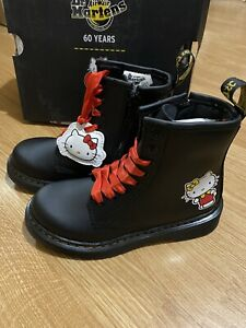 1460 HK J BLACK DR MARTENS HELLO KITTY HYDRO LEATHER KIDS Uk 11.5 New With Box