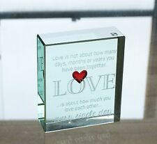 Verre spaceform love token petit coeur rouge love is about romantique cadeau souvenir