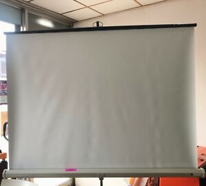 NOBO® PROJECTOR SCREEN TRIPOD 1500X1500MM - in great working condition