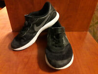 Nike Flex Contact Boys Shoes Size Youth 3 Black In Color