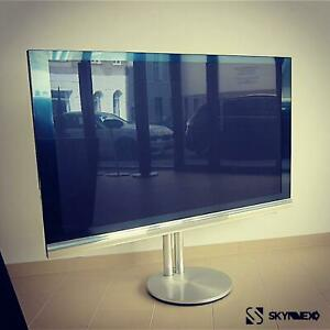 Bang & Olufsen / B&O BeoVision 12-65 With Floorstand