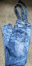 WOMEN'S VIP ACID WASH STRAIGHT LEG DISTRESSED JEANS WITH SUSPENDERS SIZE 17/18