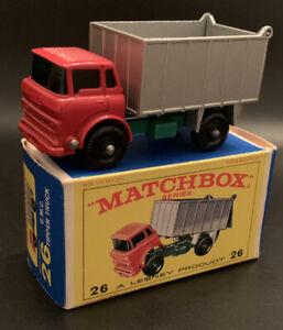 Vintage MATCHBOX LESNEY #26 GMC Tipper Truck Red Regular Wheel MINT IN BOX !