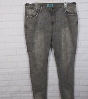 One 5 One Women Jeans Sz 14W Printed Denim Skinny Leg Black Gray Floral Stretch