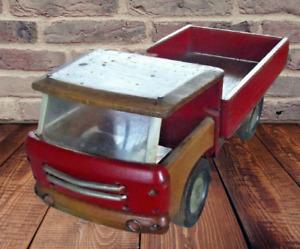 Ancien Camion Plateau Bois Période de production 1970 de marque Dejou France Old