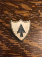 US Army 1st Division 26th Infantry Regiment Nurnberg Made DI DUI Pin Screwback
