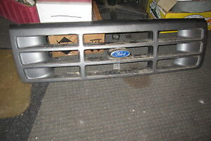 1992 93 94 95 96 ford truck grille & emblem F2TD-8150 AAW