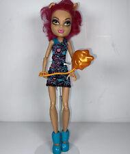 Monster High Doll Howleen Wolf Ghoul Fair With Balloon Blue Shirt Pink Hair