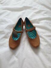 Ladies Kangaroos Light Tan Brown Leather Wedge Heel Strap Shoes Pumps Size UK 5