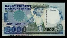 MADAGASCAR  5000 FRANCS ( 1988-94 )  PICK # 73b XF BANKNOTE.