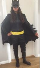 Fancy Dress-BATMAN SUPEREROI BATWOMAN Stile Gon na-Costume Taglie Forti UK