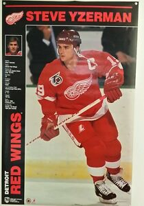 VINTAGE 1990's STEVE YZERMAN  Detroit Red Wings Poster NEW STILL SEALED