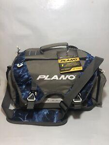 NEW NWT PLANO B-SERIES 3700 MOSSY OAK MARLIN FISHING TACKLE BAG Blue Hard Bottom